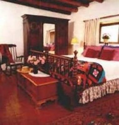 HACIENDA ANTIGUA BED N BREAKF
