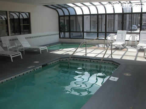 Enclosed Heated Pool and Jacuzzi
