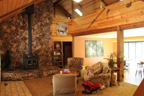 Spacious Mountain Home in Big Trees - Vacation Rental in Arnold
