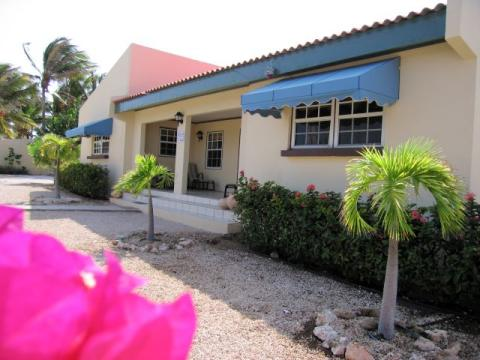 Aruba Villa - Paradise in exclusive neighborhood - Vacation Rental in Aruba