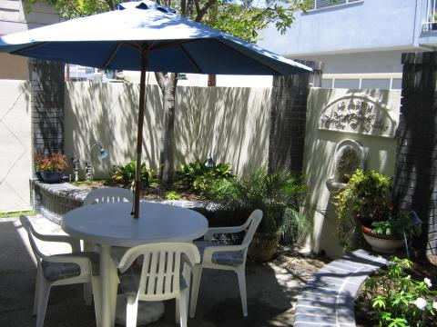 Back Patio - Balboa Island Vacation Apartments