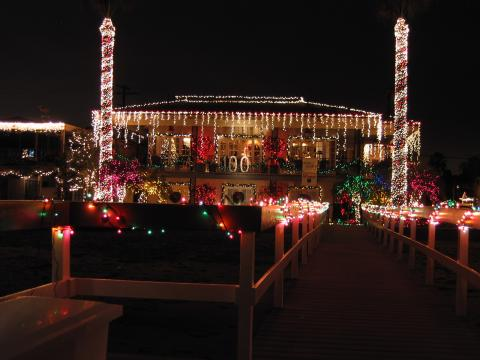 Main House at Christmas - Balboa Island Vacation Apartments