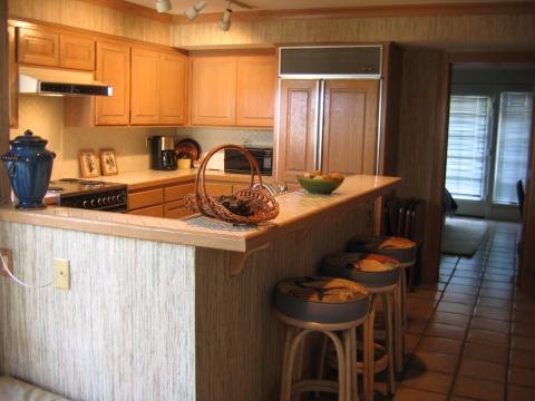 Kitchen and Breakfast Bar - Balboa Island Vacation Apartments