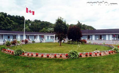 Condotel Motel Canadien - Hotel in Beaupre