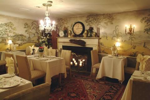 Bedford Village Inn - Bedford Bed and Breakfast NH