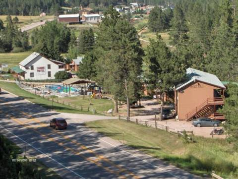Black Hills Cabins & Motel @ Quail's Crossing - Vacation Rental in Black Hills