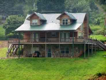 North Georgia Log Cabin - Vacation Rental in Blairsville