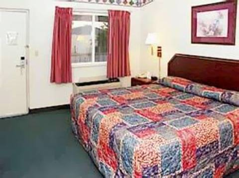 Quality Inn & Suites Bloomington West