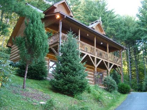 Boone, NC Log Cabin Two Sisters Retreat - Vacation Rental in Boone