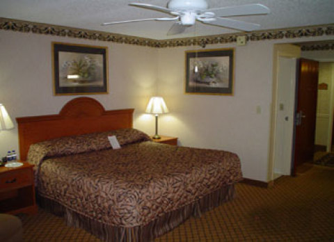 Baymont Inn and Suites Bowling Green
