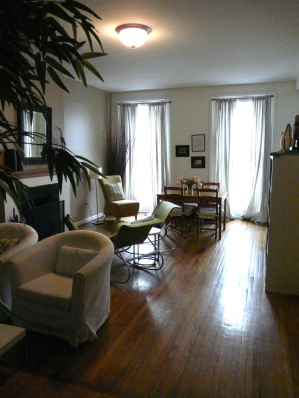 Living Area - Brooklyn Vacation Apartments