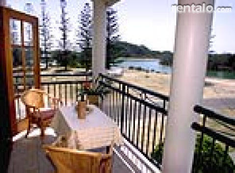Broadview  Waterfront Apartments - Vacation Rental in Byron Bay