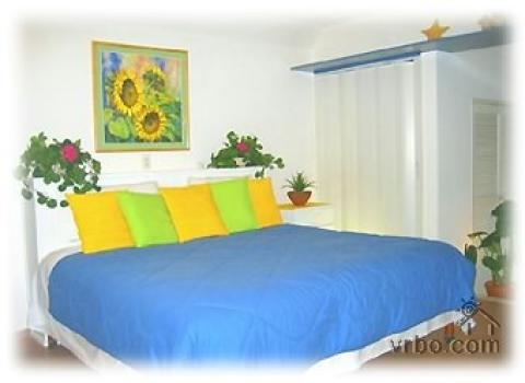 Spacious 1,600sq ft  2/2 Steps from Beach - Vacation Rental in Cancun