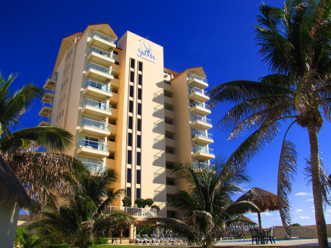 Bombero Bills Oceanfront Condos - Vacation Rental in Cancun