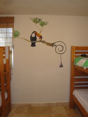 Toucan bedroom with two bunkbeds