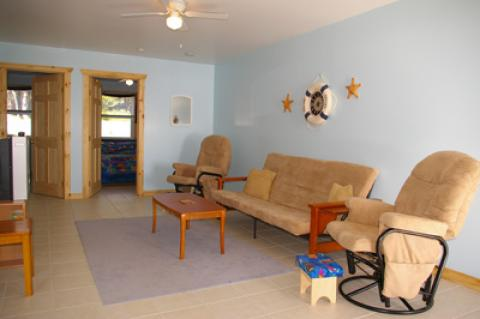 UNDER-THE-SEA COTTAGE/ LIVING AREA - Cape Breton Island Hotels