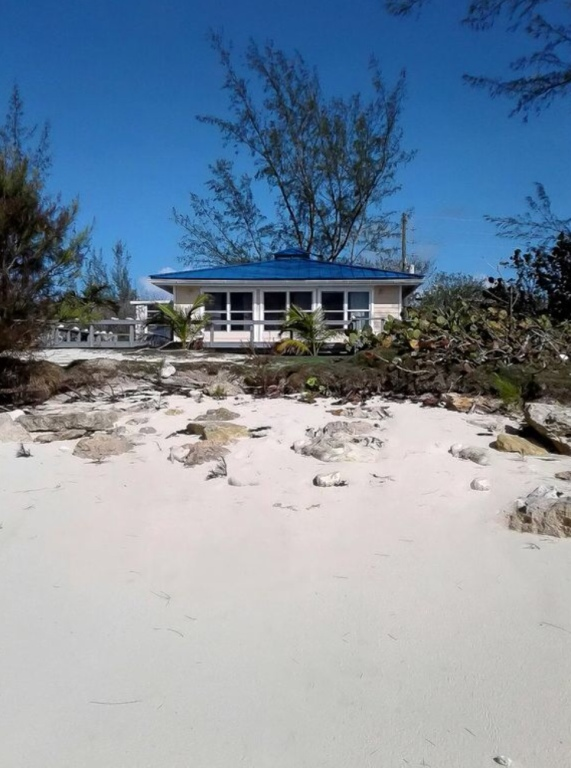 Gate House Oceanfront Home with Private Pool - Vacation Rental in Cat Island