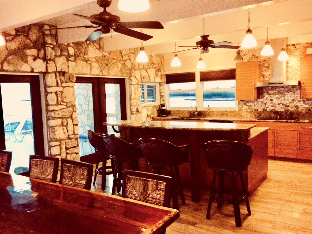 Bahamas Oceanfront Point House...Beach and Estate - Vacation Rental in Cat Island