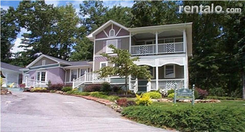 Garden Walk Bed & Breakfast Inn - Bed and Breakfast in Chattanooga