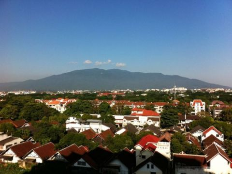 90 sqm luxurious condo (free Wifi) - Vacation Rental in Chiang Mai