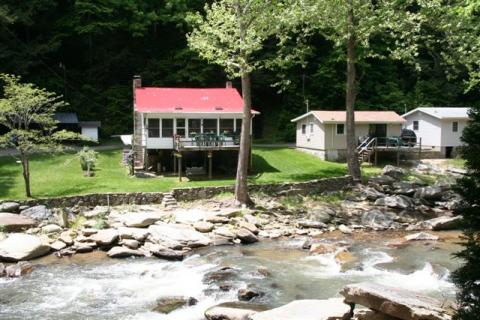 River Front Cabins with Trout Fishing  - Vacation Rental in Chimney Rock