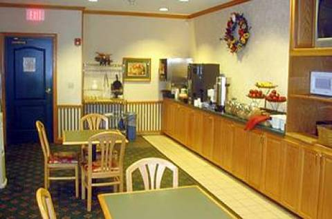 Country Inn & Suites Columbus North