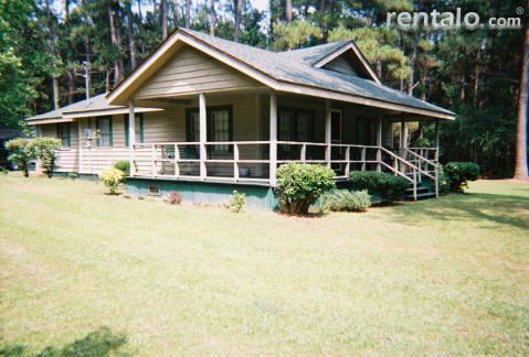 Evergreen Cottage - Vacation Rental in Conway