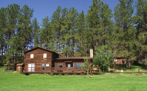 Camp Custer Log Cabins - Vacation Rental in Custer