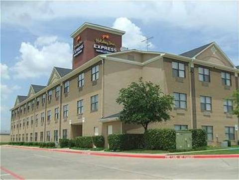 Holiday Inn Express & Suites Stemmons