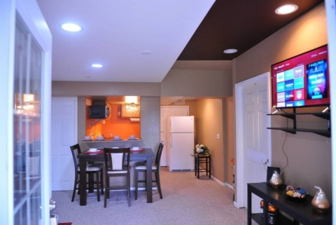 Cozy Walk out basement with separate entrance  - Vacation Rental in Denver