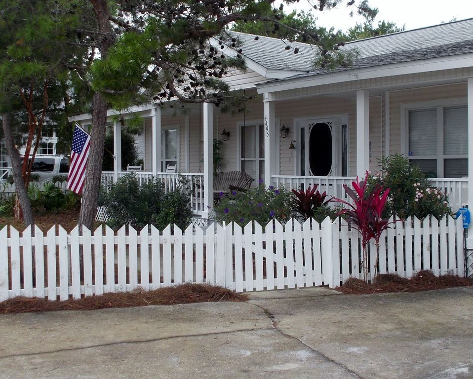 Crystal Beach Cottage - Vacation Rental in Destin