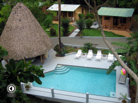 Coconut Grove Oceanfront Cottages - Hotel in Dominical