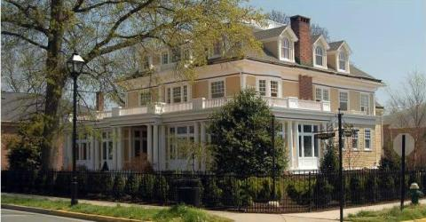 Inn at 202 - Bed and Breakfast in Easton