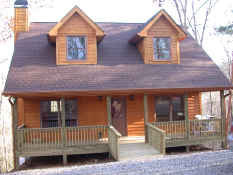Black Bear Lodge - Vacation Rental in Ellijay