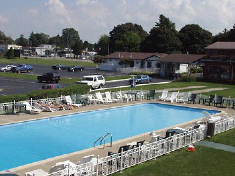 Erie Hotel | El Patio Motel