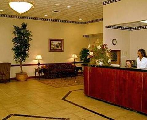 Evansville Plaza Hotel and Suites