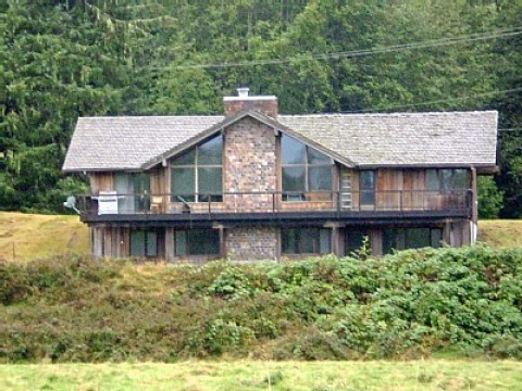 Bogachiel River Vacation Home - Vacation Rental in Forks