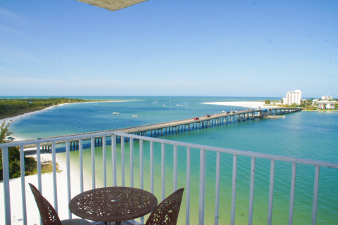 Beachfront Lover's Key Beach Club - gorgeous view! - Vacation Rental in Fort Myers Beach