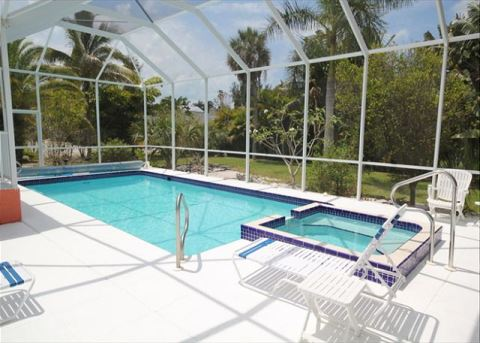 Sweet Dreams Vacation Home with Pool & Spa - Vacation Rental in Fort Myers Beach