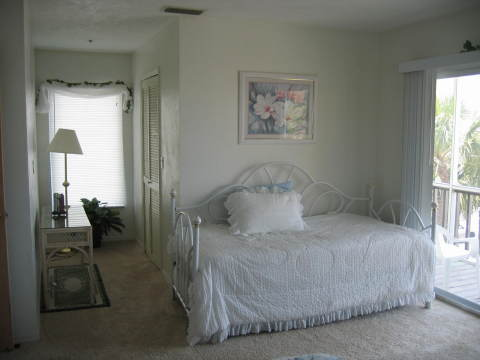 Trundle/Master Bedroom - Fort Myers Beach Vacation Homes