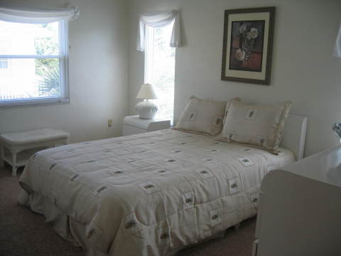 3rd Bedroom Queen Bed - Fort Myers Beach Vacation Homes