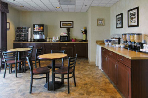 Country Inn & Suites Fredericksburg South
