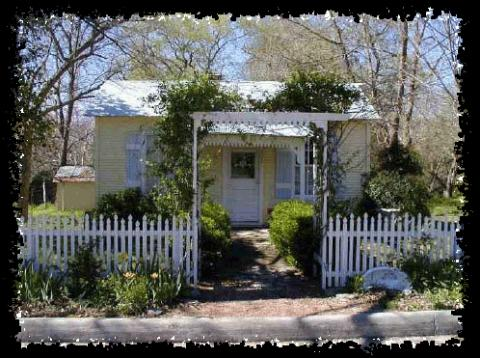 Baron-s Creek Cottage - Vacation Rental in Fredericksburg