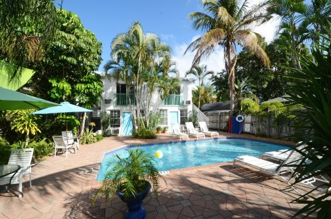 15FTL Guesthouse - Bed and Breakfast in Ft Lauderdale