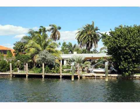 Ft Lauderdale Waterfront 3 bedroom Home with Pool - Vacation Rental in Ft Lauderdale