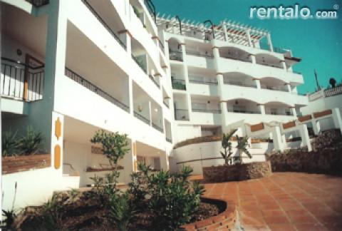 Apartment with seaview & pool sleeps 6 - Vacation Rental in Fuengirola