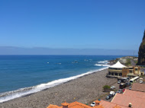 Surf Camp Boa Onda - Hotel in Funchal