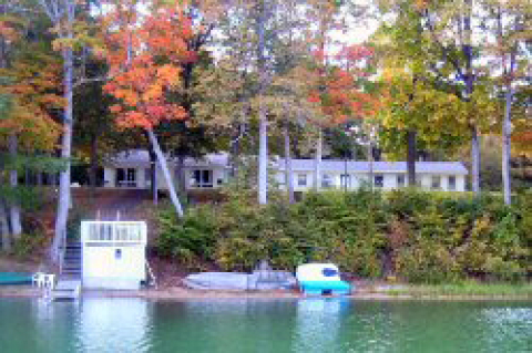 Dixon Lake Resort - Vacation Rental in Gaylord