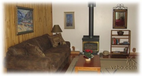 East Glacier Cottonwood Cottage - Vacation Rental in Glacier National Park