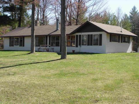 Charming Cottage - Vacation Rental in Gladwin